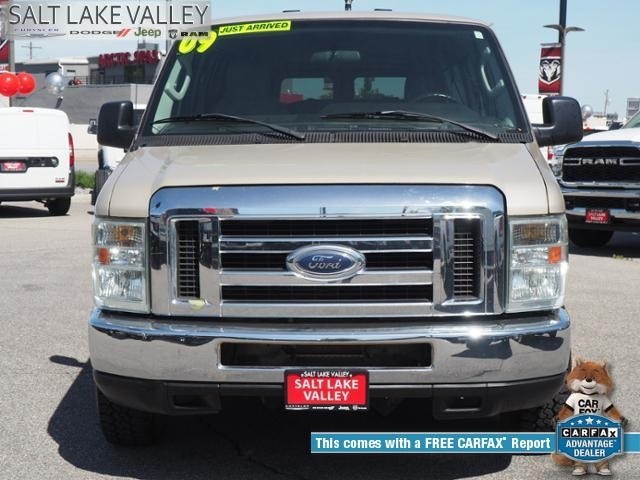 Pre-Owned 2009 Ford E-350SD XL